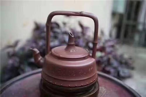 丁亦琴考试紫砂壶作品《劲竹提梁》